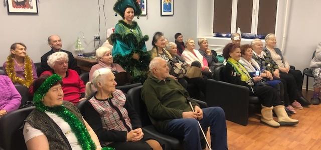 Курсанты поздравили с наступающим Новым годом, подопечных «Центра социального обслуживания граждан пожилого возраста и инвалидов»